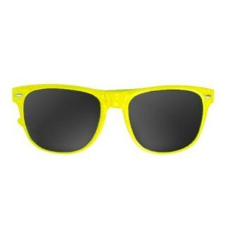 Exercise Gear, Fitness, Vintage Wayfarer Style Sunglasses   15 Colors Dark Lenses Yellow Pastel Shape UP, Sport, Training  General Sporting Equipment  Sports & Outdoors