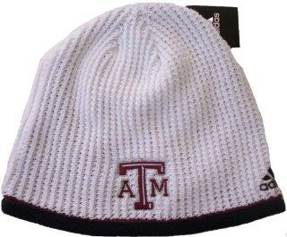 Texas A&M Aggies Adidas NCAA Cuffless Logo Knit Beanie Hat Cap  Sports Fan Beanies  Sports & Outdoors