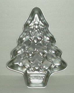 Christmas Tree Wilton Cake Pan Baking Mold # 502 1107 Kitchen & Dining