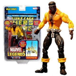 "ToyBiz Year 2006 Marvel Legends ""Mojo"" Series 6 Inch Tall Super Poseable Action Figure   LUKE CAGE with 34 Points of Articulation Plus Lower Mechanical Legs (Left Side) of Mojo, Diorama and 32 Page Comic Book Toys & Games"