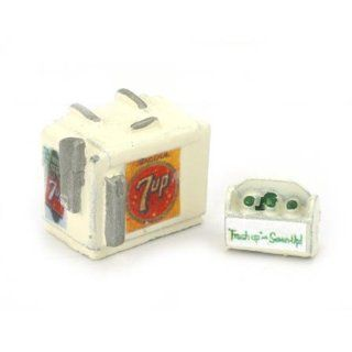7 UP SODA MACHINE AND CASE   JL INNOVATIVE DESIGN HO SCALE MODEL TRAIN ACCESSORIES 733 Toys & Games