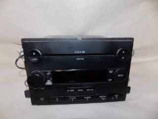 05 05 Ford Five Hundred Montego Radio CD Disc Changer 6 Disc 2005 #3083 Automotive