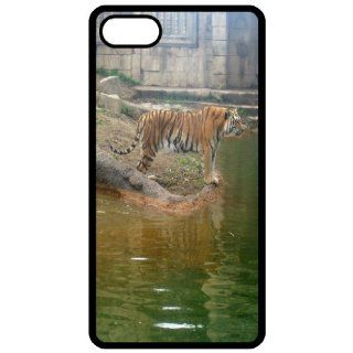 Tiger   Image Black Apple Iphone 5 Cell Phone Case   Cover Cell Phones & Accessories