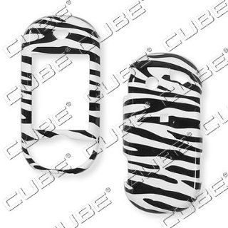 Pantech Matrix Pro c820�ZEBRA BLACK/WHITE Hard Case/Cover/Faceplate/Snap On/Housing/Protector Cell Phones & Accessories