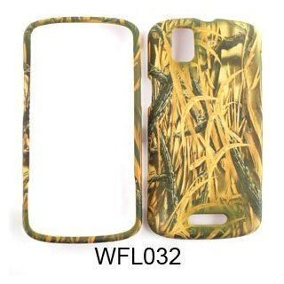 Motorola Droid Pro A957 Camo/Camouflage Hunter Series, w/ Shedder Grass Hard Case/Cover/Faceplate/Snap On/Housing/Protector Cell Phones & Accessories