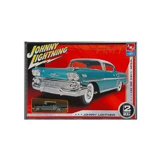 Johnny Lightning/AMT 1958 Chevy Impala Model kit with Bonus diecast car Toys & Games