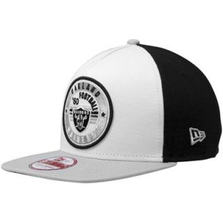 New Era Oakland Raiders Retro Circle Snapback Hat   White/Black/Silver