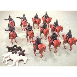 Civil War Union Cavalry 25 Piece Set of 132 Soldier Figures and Horses Toys & Games